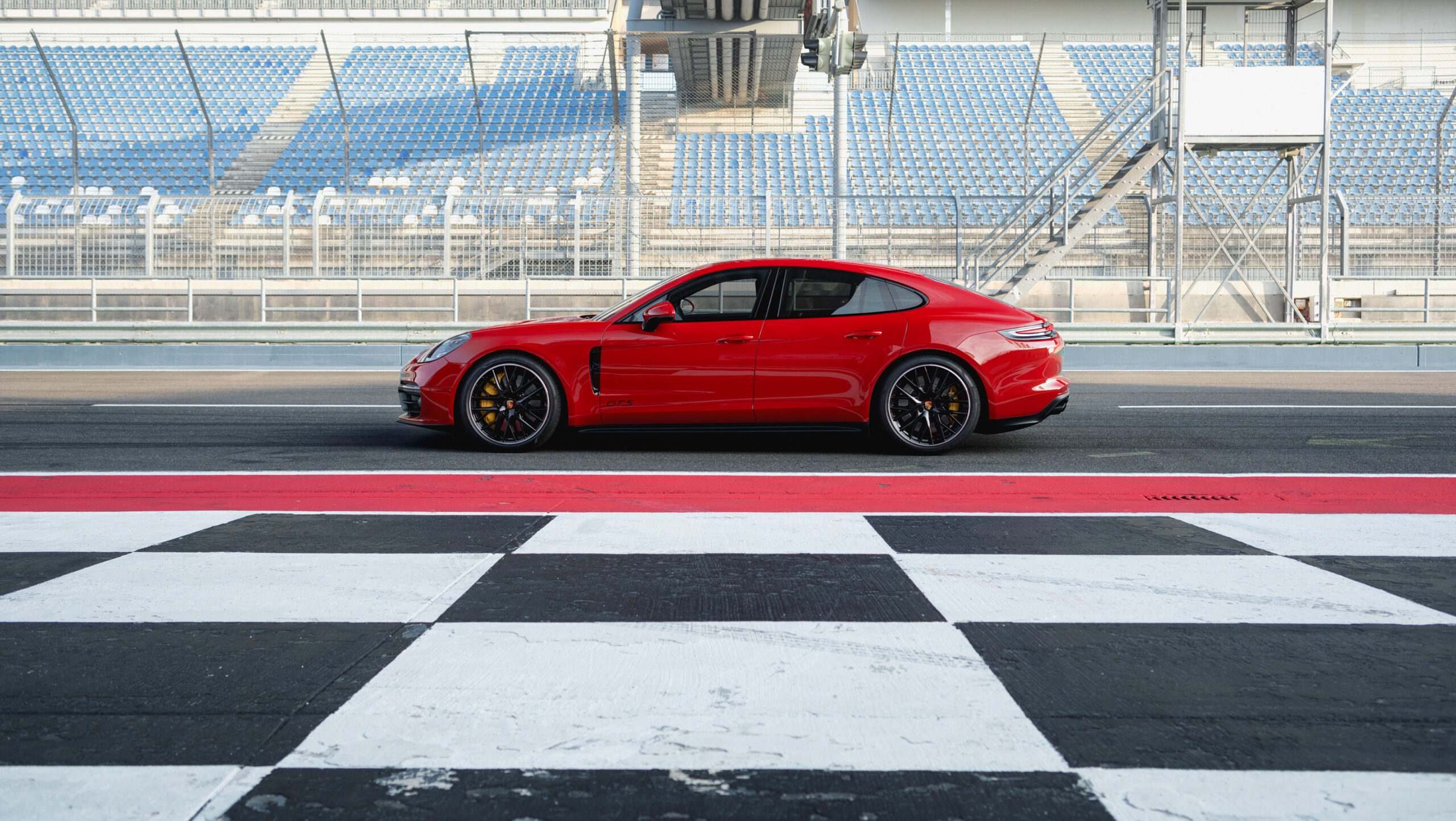 Porsche Panamera GTS & Panamera GTS Sport Turismo